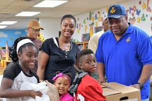 PRINCE HALL NO. 9 DONATES THANKSGIVING DINNERS!