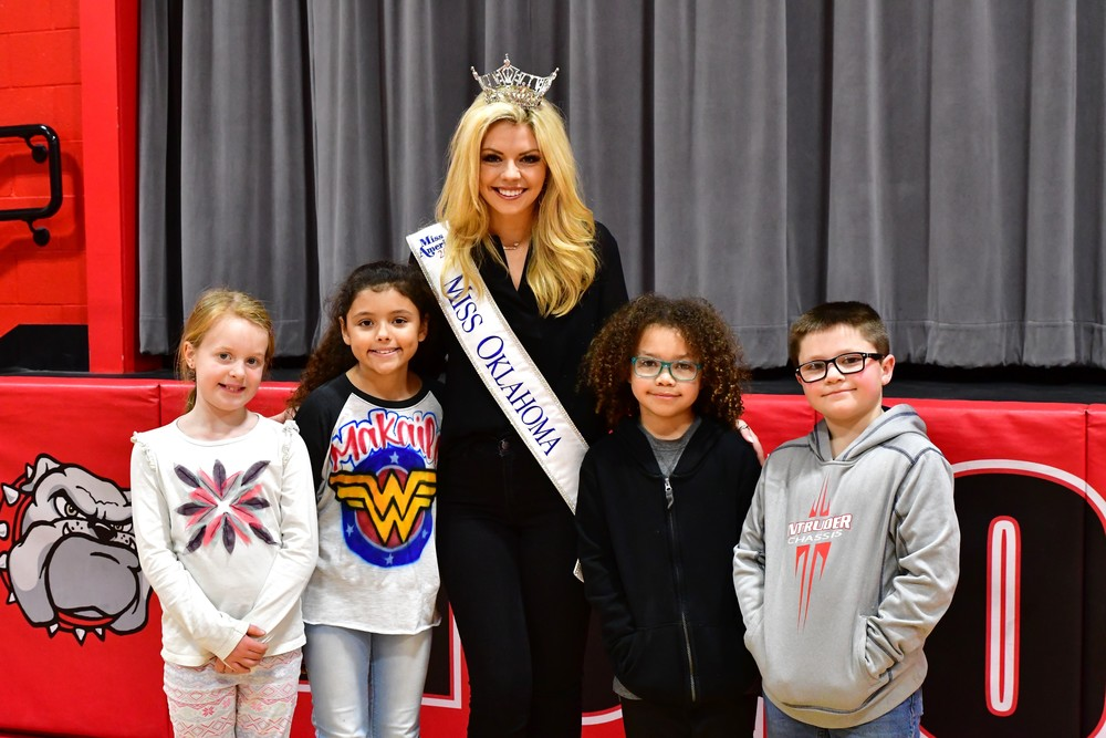 BULLDOGS MEET MISS OKLAHOMA