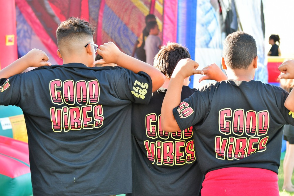 NEW BULLDOG T-SHIRTS - GOOD VIBES!